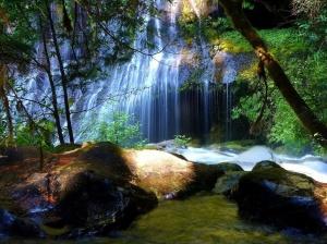 Image Source: http://hamzafiaz.wordpress.com/tag/landscapes