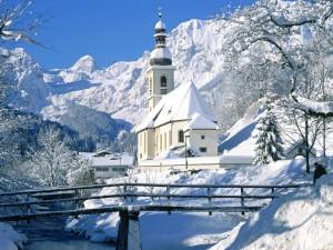 Image Source: http://themeshut.blogspot.com/2010/11/winter-wallpapers/
