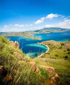 Image Source: http://travelhub.insureandgo.com.au/wp-content/uploads/2012/08/stockfresh_407905_tropical-landscape_sizeS.jpg