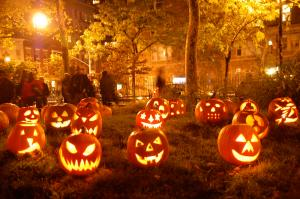 Image Source: http://1.bp.blogspot.com/-MCV3U3kjltg/UInjJR8OT6I/AAAAAAAAA7s/mDzc1D2Jxq0/s1600/halloween-picture.jpg