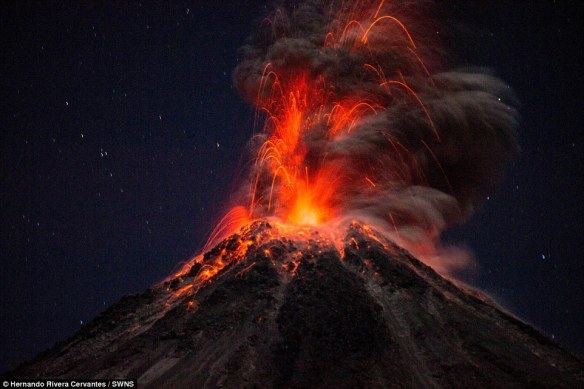 27377ACF00000578-3022885-The_Colima_volcano_is_regarded_as_one_of_the_most_dangerous_in_M-a-2_1427970366256